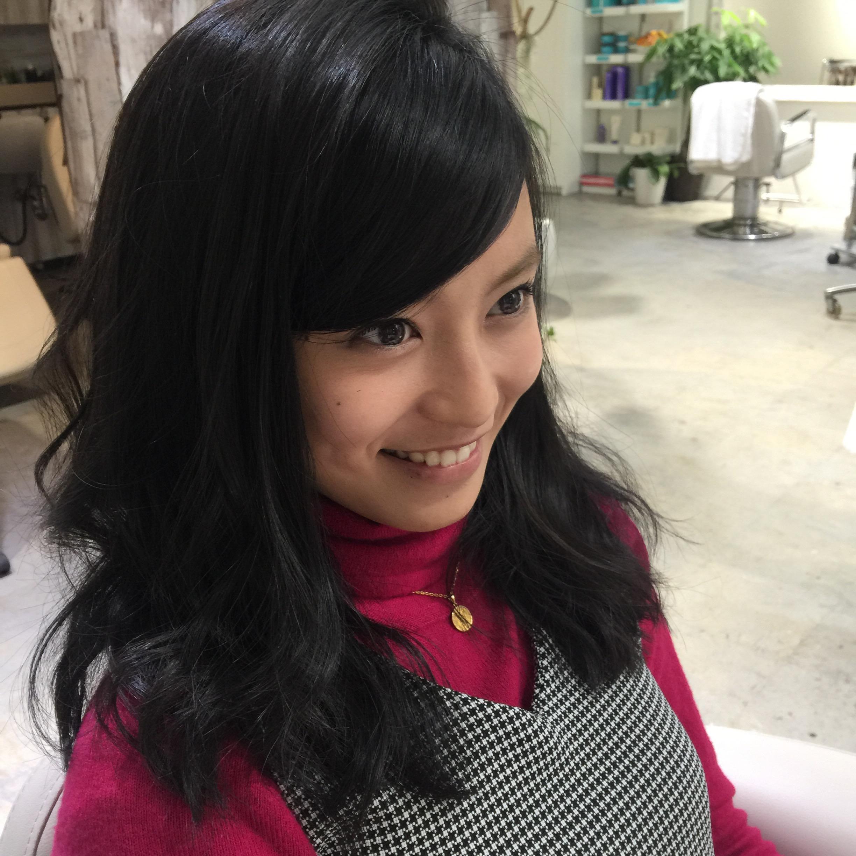 「小島瑠璃子 色黒」の画像検索結果